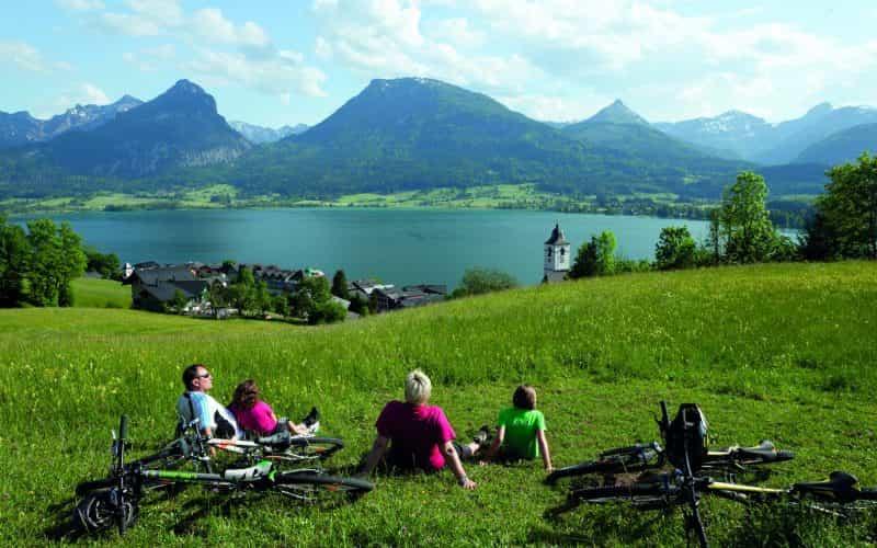 Mountainbike+Familien+bei+Rast