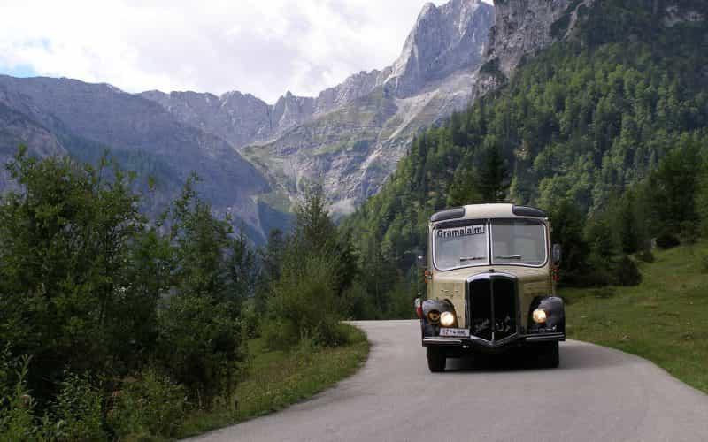 bus-2278900_1280